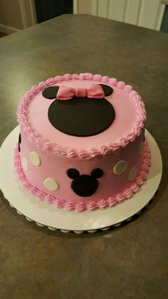 Minnie Mouse baby shower cake for girl.
