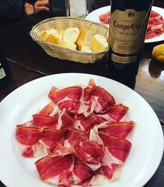Discovering all the Spanish specialties with Pernod Ricard Winemaker's team 🍷 _____________________________________ #pernodricardwinemakers #tapas #spanishfood #jamon #spain🇪🇸 #rioja #riojawine #campoviejo #reserva #tastyfood #winelover #wine🍷 #dreamjob #enjoyinglife  Yummery - best recipes. Follow Us! #tastyfood