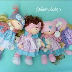 Boneca russa com molde para impressão - Como Fazer Felt Dolls, Diy Doll, Fabric Crafts, Projects To Try, Barbie, Chiffon, Christmas Ornaments, Toys, Holiday Decor