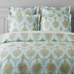 Shop Williams-Sonoma Home luxury duvet covers and shams for a chic and elegant escape in the bedroom. Williams-Sonoma Home offers hotel inspired bedding sets in classic designs. Bedding Sets Online, King Bedding Sets, King Duvet, Queen Duvet, Comforter Sets, Organic Duvet Covers, Luxury Duvet Covers, Luxury Bedding Sets, Modern Bedding