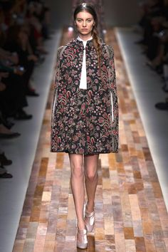 Valentino RTW Fall 2013. floral. russian. black and floral. cape. #fall2013 #paris #Valentino