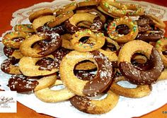 Onion Rings, Doughnut, Sausage, Biscuits, Food And Drink, Meat, Cake, Ethnic Recipes, Crack Crackers