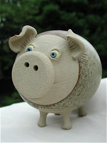 Money Banks Studios - at our Money Banks pottery studio we make fantastic pottery money banks in the shape of animals. Order our unique pottery on-line. Hand Built Pottery, Thrown Pottery, Ceramics Projects, Clay Projects, Paper Clay, Clay Art, Ceramic Pottery, Ceramic Art, Fairy Box