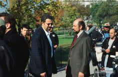 The West Wing - Behind the scenes photo of Richard Schiff & Thomas Schlamme