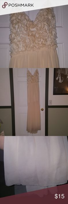 GORGEOUS Ivory Maxi Perfect for a rehearsal dinner or bridal shower. Note the discoloration toward the bottom. I am 5'3. This is more suitable for the taller ladies. Price reflects.  Note: I have never tried to remove the discoloration. Soieblu Dresses Maxi