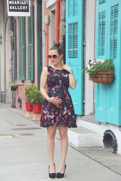 Southern Charm #nola #express #cynthiavincent #vintage #betseyjohnson #25weekspregnant #maternitystyle