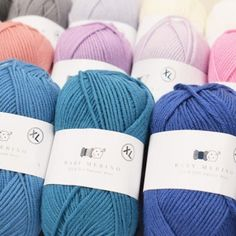 The most amazingly silky soft merino yarn, designed especially for our dear customers. Hobbii Baby Merino is perfect for kids, babies and people with sensitive skin, since it is unbelievably soft and scratch free. Gilet Crochet, Knit Or Crochet, Baby Blanket Crochet, Cotton Crochet, Cable Knitting, Free Knitting, Knitting Ideas, Crochet Chart, Crochet Patterns