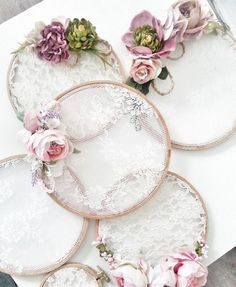 Embroidery hoop lace dream catchers 32 Ideas for 2020 Embroidery Hoop Crafts, Wedding Embroidery, Lace Embroidery, Embroidery Ideas, Lace Dream Catchers, Dream Catcher Wedding, Dream Catcher Decor, Dream Catcher Boho, Decoration Shabby