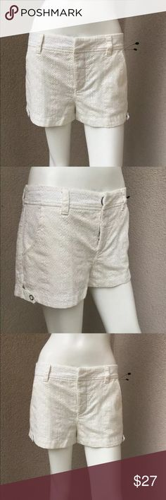 Free People Woman Shorts Ivory Embroidered fabric this item is new no tags  • No flaws  • Size 4 US • Off white croshe fabric  • Cotton • No stretch • Fully lined • Snaps front closure  • With 4 packets          Thank you for shopping! Free People Shorts