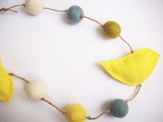 felt bird and ball garland... customize your colors to match your decor!
