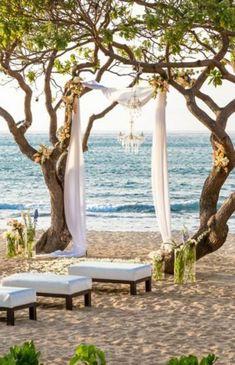 Arco di fiori matrimonio drappeggio. Wedding arch. #wedding #decorations