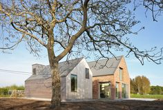 Atelier Tom Vanhee renovates a farmhouse in Belgium