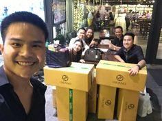 ประชุมเสร็จ มาส่งความสุขด้วยกาแฟ ชา ชอคโกแลตพรีเมียมที่กินแล้วจะลืมไม่ลงคะ☺  8 ลัง หย่าย หย่าย   ให้สินค้ากับคนที่รักเราและคนที่เรารัก ขอบพระคุณลูกค้าทุกท่านที่ไว้ใจเชื่อใจ  ปังๆๆๆๆ  Sending premium coffee choco and tea to loving customers!!  Happy Customers always stay  8 Big Boxes!!  Pop pop pop  Thank you for trusting me to have your daily life taken care of!  #ไปรษณีย์ #แบ่งปันสุดยอดสินค้า #Sharing #TestimonyWorks #OGWORKS #X4LIFE #PostOffice