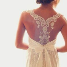 love the pattern with slight see-through - could be great for a bridesmaid dress / lace theme