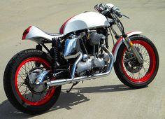 MojoRising - Pipeburn - Purveyors of Classic Motorcycles, Cafe Racers & Custom motorbikes
