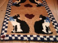 - Handmade Hooked Rug Cats Black White Tan por TheProfessorsAttic -