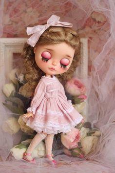 Items similar to Primavera Blythe Dress Pink Set on Etsy Bratz Doll, Ooak Dolls, Blythe Dolls, Kawaii Doll, Cute Dolls, Lolita Fashion, Vintage Dolls, Paper Dolls, Pink Dress