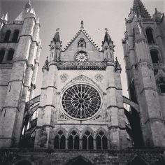 .@nachoiglesiasgarcia   #leon #spain #cathedral #blackandwhite