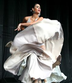 Flamenco Dancer this is Beautiful! Tango, Shall We Dance, Lets Dance, Dance Art, Ballet Dance, Dance Shoes, Spanish Dance, Belly Dancing Classes, Dance Like No One Is Watching