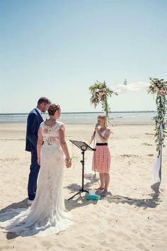 beach ceremony ideas | Image by Sandra Hygonnenc  #wedding #bride #groom #pinkwedding #beach #beachwedding #france #frenchwedding
