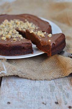 Um bolo de chocolate e avelã, com Nutella, tem o condão de nos abrir grandes sorrisos