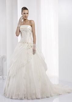 Collezione abiti da sposa #Jolies, abito da #sposa modello JOAB13420IV