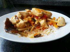 Blondynka Gotuje: Kurczak w Czerwonym Curry według ALEXA