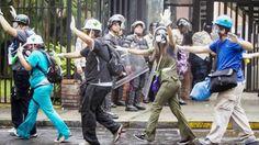 CHICAS GUARIMBERAS Y VALIENTES en Protestas Estudiantes