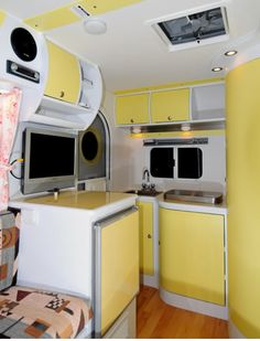 The disgustingly-cute interior of the iCamp Elite. I require this! I also require more money. Caravan Interior Makeover, Trailer Interior, Camper Makeover, Scamp Trailer, Tiny Trailers, Travel Trailers, Vintage Rv, Vintage Trailers, Caravan Inside