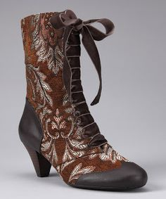 Breakfast at Anthropologie: Poetic Licence #boots #edwardian #preraphaelite #bohemian