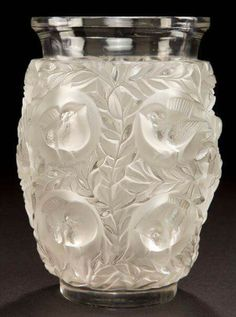Rene Lalique clear and frosted Glass Bagatelle Vase, 1920s