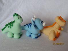 Fondant Dinosaur Cake Toppers Set of 3 por AdorableCelebrations, $40.00