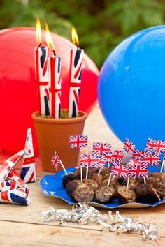 Are you a Royalist? Even if you're not (like me) it's a good excuse for a party. Here's a few bits to get you in the mood. £9.95