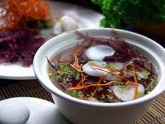 The much-loved Sichuan dishes are returning to Man Wah at Mandarin Oriental, Hong Kong. 酸辣烏魚蛋湯 Cuttlefish roe, hot and sour soup