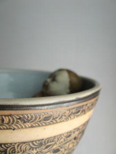 baby in a bowl - das kaninchen