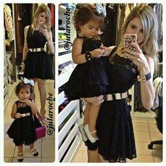 (KIDS) O estilo da Mariana! - Segura o Picumã por Mica Kodama Twin Outfits, Mommy And Me Outfits, Princess Outfits, Kids Outfits, Mother Daughter Matching Outfits, Mother Daughter Fashion, Daughters Day, Mom Daughter, Toddler Fashion