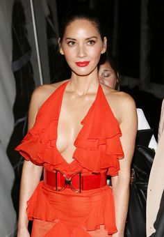 Olivia Munn in bright red lipstick wearing a plunging dress Olivia Munn, Coral Lipstick, Bright Lipstick, Liquid Lipstick, Peach Blush, Lipstick Brands, The Beauty Department, Winter Beauty, Asian Woman
