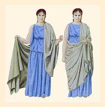 Roman woman wearing the tunic and palla