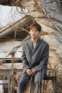 Chen EXO 'Beautiful Goodbye' MV behind the scene Baekhyun Chanyeol, Kai, Spirit Fanfic, Exo 2014, Luhan And Kris, Kim Jong Dae, Exo Official, Kim Minseok, Xiuchen