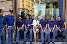 Bonding with the Italian Police Rome Streets, Italian Police, Rome Attractions, Police Uniforms, Men In Uniform, Thin Blue Lines, Ancient Rome, Cops, Bears