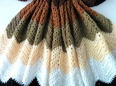 Mocha Ripple Throw: An Easy Crochet Chevron Pattern Chevron Afghan, Chevron Crochet, All Free Crochet, Easy Crochet, Crochet Bags, Crochet Gifts, Crochet Animals, Afghan Crochet Patterns, Crochet Afghans