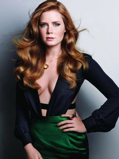 Amy Adams American Hustle outfit navy low v top emerald green pencil skirt