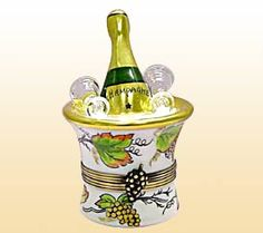 LIMOGES BOXES direct from Limoges France with FREE SHIPPING ! Fine peint main French Limoges Boxes