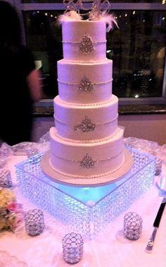 wedding centerpiec,Table Centerpiece/wedding glass crystal cake diameter With leds Cupcake Stand Wedding, Wedding Cake Stands, Pretty Cakes, Beautiful Cakes, Wedding Table Centerpieces, Wedding Decorations, Wedding Ideas, Birthday Centerpieces, Wedding Planning