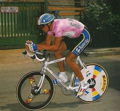 INDURAIN.1992 Old Bicycle, Bicycle Race, Velo Vintage, Vintage Bikes, Bike Art, Pro Cycling, Wheel Cover, Road Racing, Cycling Outfit