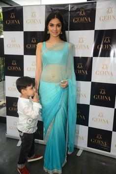Divya Khosla Kumar looked absolutely stunning as she celebrated the essence of mother - child bond at the Inheritence Collection launch Silk Saree Blouse Designs, Saree Blouse Patterns, Bollywood Actress Hot, Beautiful Bollywood Actress, Bollywood Saree, Satin Saree, Chiffon Saree, Sari Dress, Saree Models