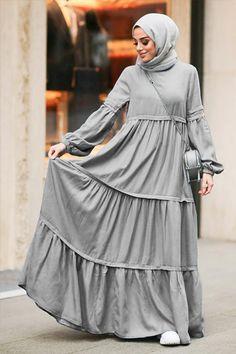 Modest Fashion Hijab, Abaya Fashion, Skirt Fashion, Fashion Outfits, Muslim Women Fashion, Islamic Fashion, Moslem Fashion, Mode Abaya, Hijab Fashion Inspiration