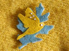 Broche textile belle  oiseau et feuilles broche avec par ruefedor