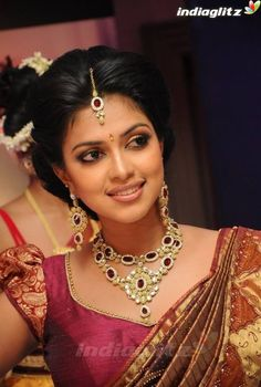 Amala Paul Beautiful Images in Saree. Asian Bride, South Indian Bride, Indian Bridal, Deepika Padukone, Sonam Kapoor, Amala Paul Hot, Desi Wedding, Wedding Bride, Wedding Lenghas