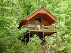 The Tree Top Cedar Chest is a beautiful secluded cabin in a spectacular setting in amongst the trees on an Ozark mountain. River of Life Lodge. Missouri Ozarks